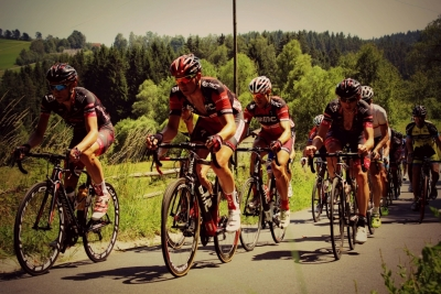 road-cycling-with-hearing-aids